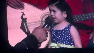 Espinoza paz - su hija cantando (fan)