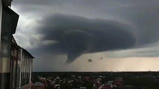 Природные катаклизмы лета 2020 года в российских регионах насторожили климатологов.