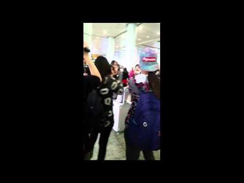 150110 Yuri Guangzhou Airport by roem9