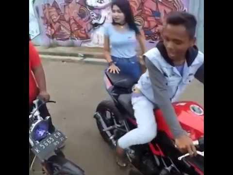 Ora Ninja Ora Cinta ( Mung Guyonan )