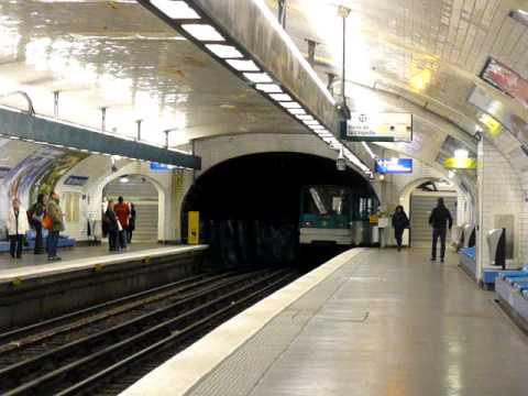 Mf67 3 042 la muette sur la ligne 9 - Metro notre dame de lorette ...