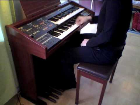 From Russia with love on Yamaha Electone MC-400 organ