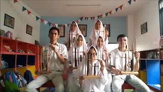 Lagu yamko rambe yamko dengan alat musik angklung