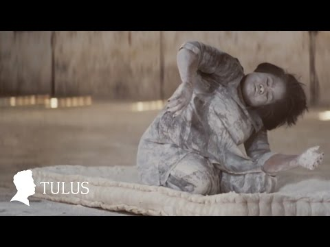 TULUS - Ruang Sendiri (Official Music Video)