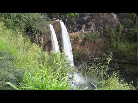 wailua-falls-kauai-hawaii