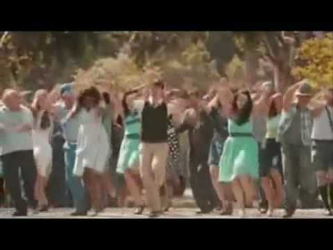 5071d9724 500 Days of Summer - The Smiths - There is a light that never goes out.flv