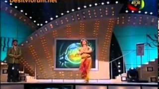Saroj khan dances on 1 2 3 (Dance sangram)