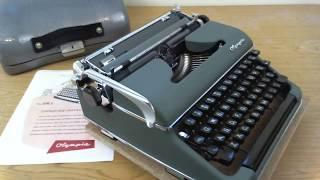 Olympia SM3 DeLuxe Typewriter