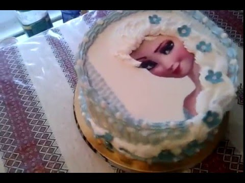 как положить сахарную картинку на торт
