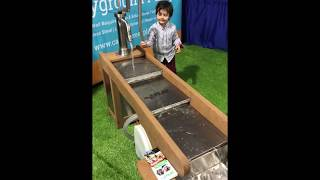 20191119 IAAPA Expo: Water Fall Table Tested by 4 Year Old