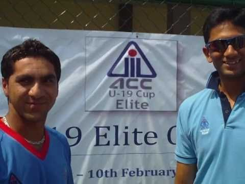 Afghanistan's Aftab Alam with the Asian Cricket Council's Venkatesh Prasad
