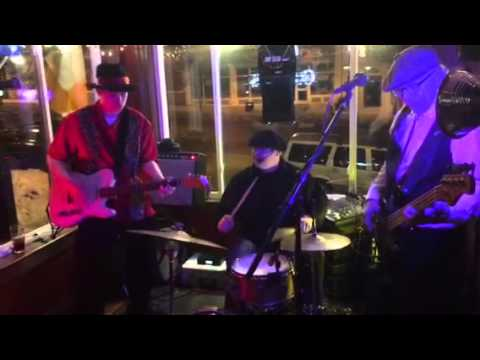 Memphis Lightning live at Uptown O'learys Tap.