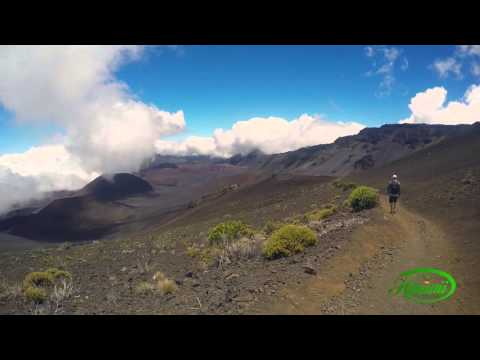 Hiking Haleakala National Park - Maui Hawaii