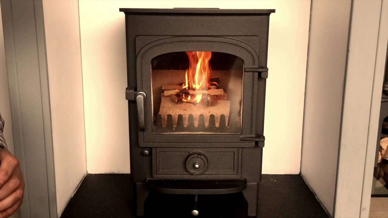 lighting a clearview pioneer 400 wood burning stove youtube. Black Bedroom Furniture Sets. Home Design Ideas