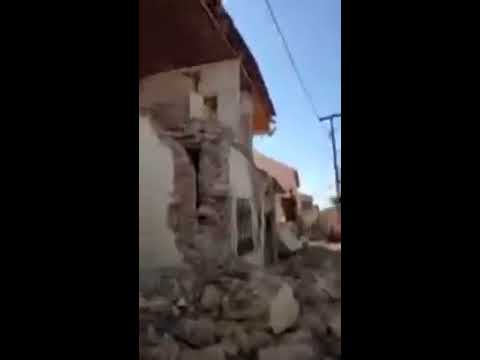 Powerful Quake Reduces Buildings to Rubble on Greek Island Lesbos