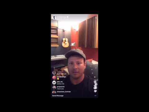 Tom Delonge We Don't Need to Whisper Acoustic - Do It for Me Now Clip