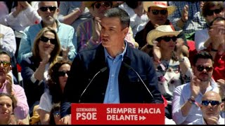 """Sánchez llama a sacar """"tarjeta roja"""" a las tres derechas"""