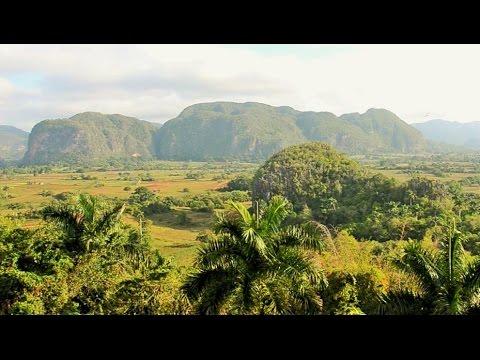 Viñales Valley in Cuba / Valle de Viñales en Cuba