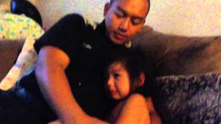 Toddler doesn't want daddy to go to work