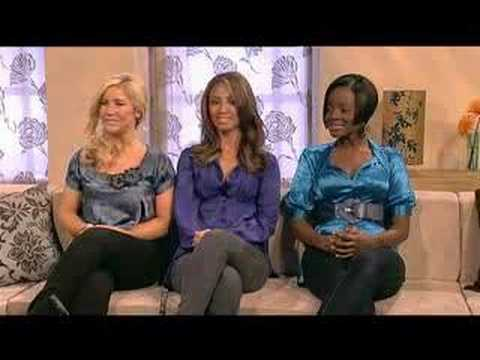 Lorrain Kelly sings The Ladies' Bras with the Sugababes