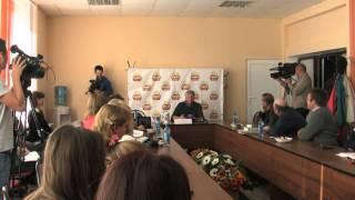 Михаил Задорнов в Смоленске . В  беседе принял участие смоленский историк Владимир Марков