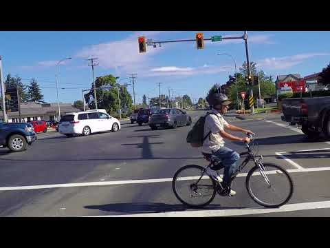Driving in Courtenay BC Canada - Life in Downtown/City Centre - Vancouver Island Tour