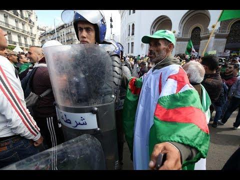 وفاة شاب متأثراً بجراحه بعد إصابته باحتجاجات الجزائر  - نشر قبل 9 ساعة