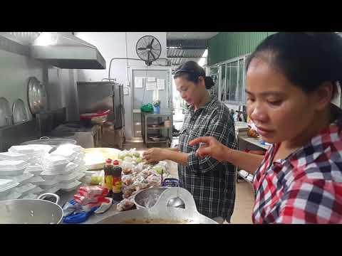 Quán cơm xã hội 3, Huỳnh Tấn Phát,Quận 7,Sài Gòn 21.11.2017