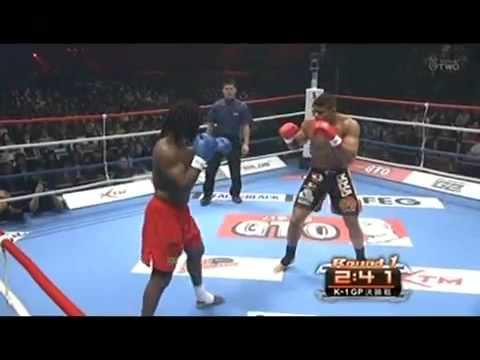 Alistair Overeem vs. Ewerton Teixeira    DEC 5 2009  QUARTER FINAL