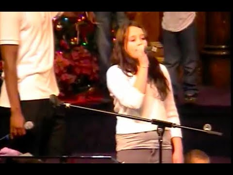 """Young Gabby Barrett sings """"Man in the Mirror"""" at her church in Pittsburgh"""