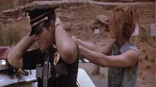Thelma and Louise de Ridley Scott (1991) - Cop scene