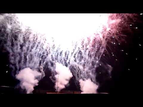 Kembang Api Malam Tahun Baru 2018 di GOR Lembu Peteng Tulungagung