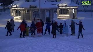 Чернушка. Выход деда Мороза и Снегурочки на открытие ёлки.