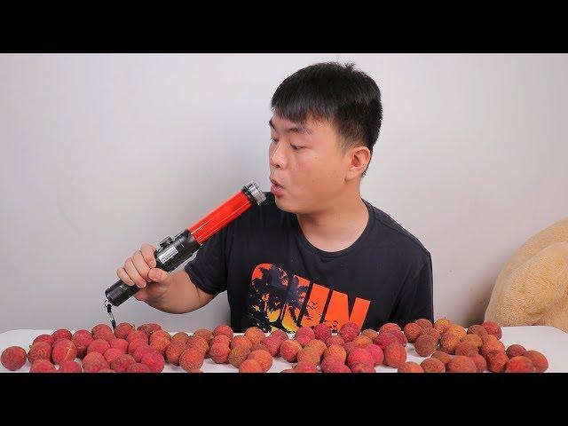 小伙一口气连吃3斤荔枝,竟检测出醉酒驾驶,看完你还敢吃荔枝吗