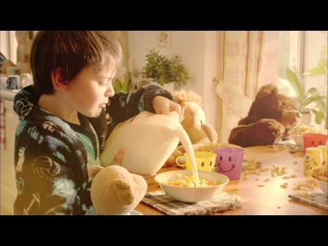 Teddy Bear's Breakfast 'Kellogg's Cornflakes' Commercial