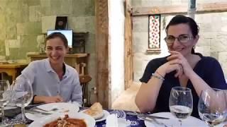 Настоящие женщины  накормили нас в ресторане Метелица. А мы не отказались