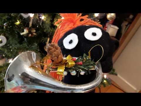 STINKER - Christmas Tree. Sock Puppet Short Films. COMEDY. S01E02 Filmed in Ireland.