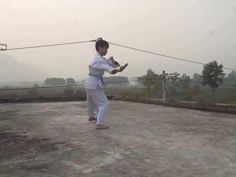 4 bài quyền thi đai xanh - Nguyễn Mạnh Hùng 1-2014 - Karatedo