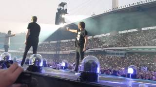 One Direction - Story of my life + waterfight, Gothenburg 23.07
