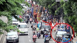 Odong-odong Karawang dikawal Mobil Polisi di Jakarta 18 Nopember 2017