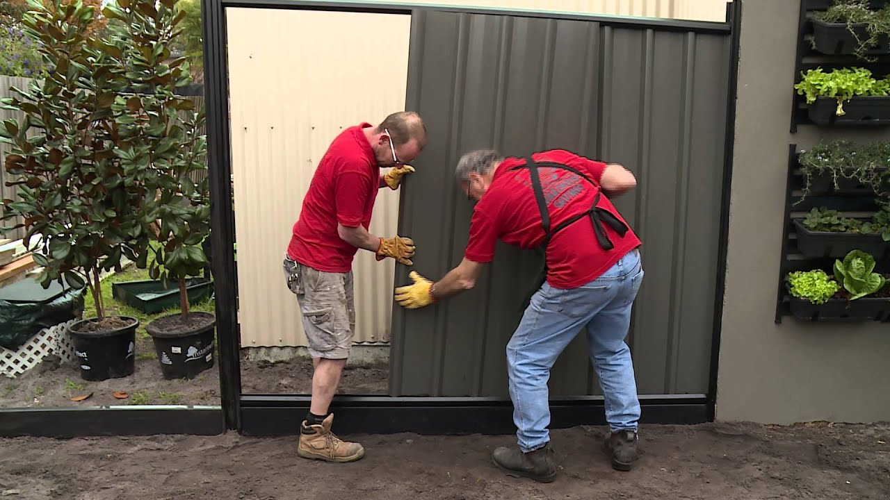 How To Build A Colorbond Fence - DIY At Bunnings