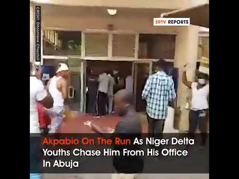 Niger Delta youths chases Godswill Akpabio out from office (Video)