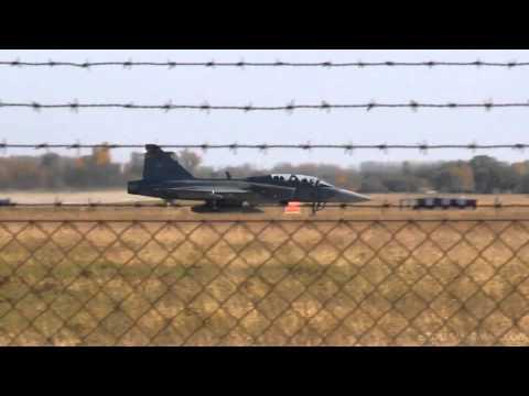 HuAF JAS-39 Gripen 14 ship formation flyby at LHKE November, 2012. (complete footage)