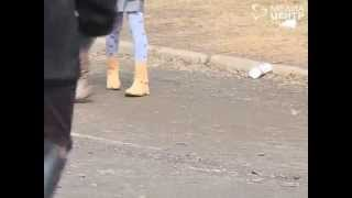 Ученикам школы №30 в Вологде приходится убирать на стадионе экскременты собак
