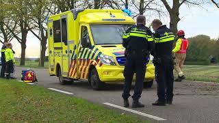 Auto botst tegen boom en bestuurder raakte gewond in Nieuw Beerta