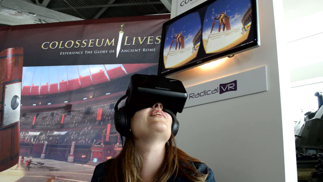 D Virtual Reality Exhibition : Colosseum virtual reality exhibit at the canadian war
