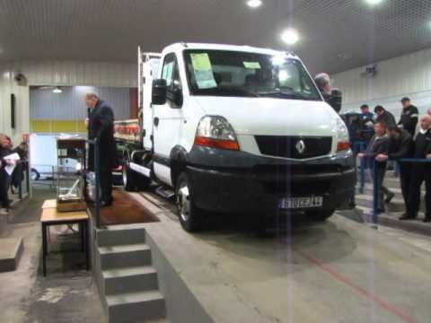 Vente du Lundi 03 Mars à Nantes- Renault Master Benne