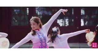 Graceful Chinese Dance【30】Rainy Flowers《雨中花》