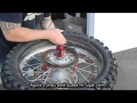 5057c522fa2 Trocar pneu da moto - YouTube