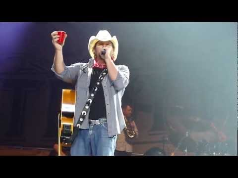 Toby Keith  *Red Solo Cup*  (London UK)